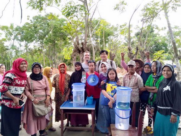 KSHI dan Elgon Cosmetics  Serahkan Penggalangan  Dana Bencana Alam untuk Lombok
