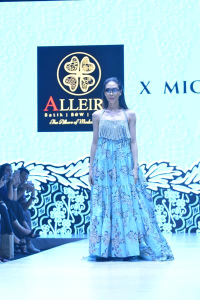Koleksi Batik Multi Fungsi ditampilkan Alleira di Plaza Indonesia Fashion Week 2019