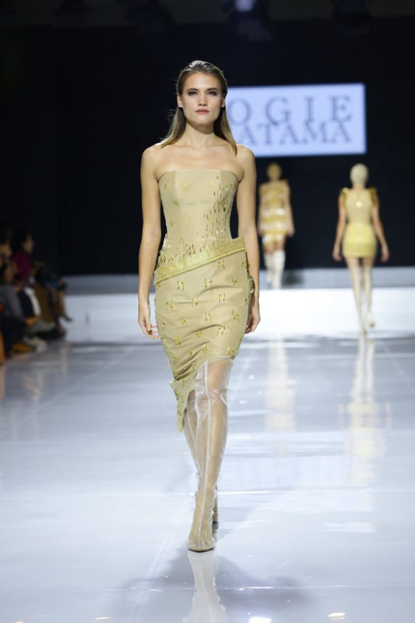Jalinan Lungsi Pakan Awali Pembukaan Fashion Show JFFF 2019